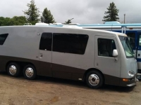 2001 Newmar Newaire Retractable Screen Before 1