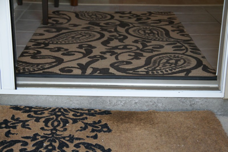 Up-Close-of-Bottom-Rail-of-the-Plisse-Retractable-Door-Screen