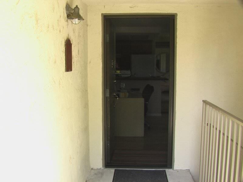 ... Plisse Condo   Outside   In Use   Door Open 2 ...