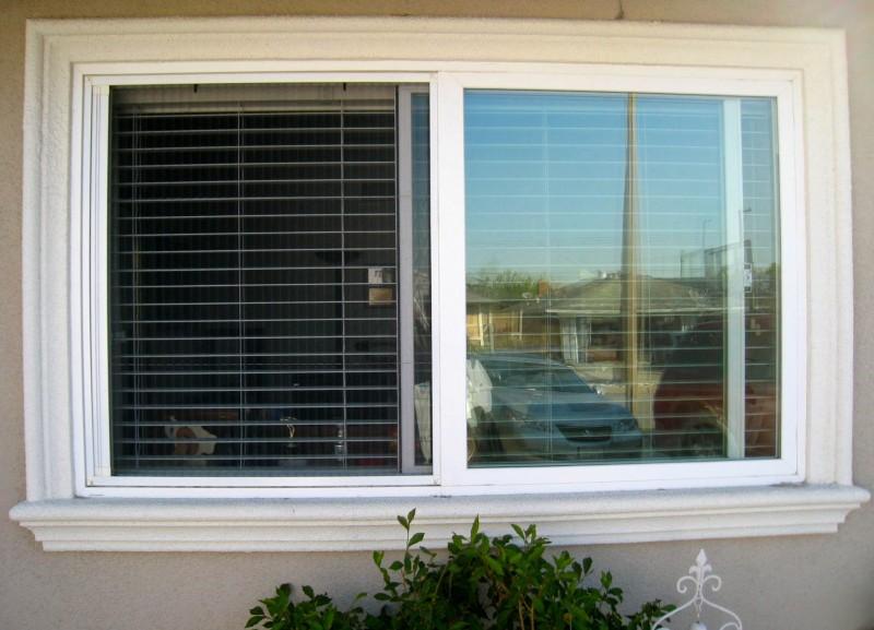 Plisse Window Outside White In Use Side