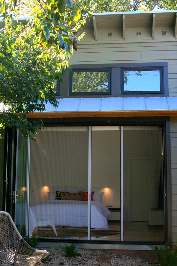 Retractable screen doors in Austin